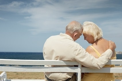 stockfresh_1004564_old-man-and-woman-on-bench-at-the-sea_sizeXS-min.jpg